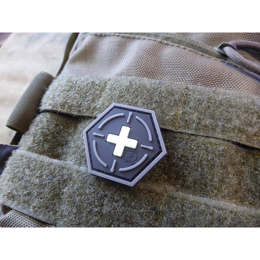 JTG  Tactical Medic Red Cross, Hexagon Patch, gid / JTG 3D Rubber Patch, HexPatch