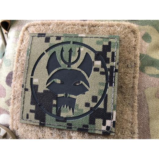 Trident Dog Lasercutpatch, 70x70 AOR grün, IR Logo, mit Klettrückseite